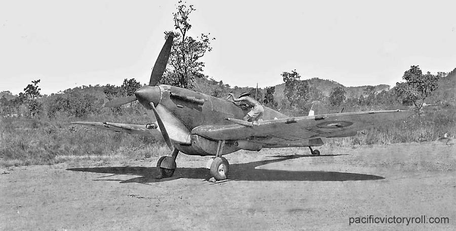 Spitfire_MkV_slipper_tank_web